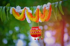 Fotografie des Dahis HANDI auf gokulashtami Festival in Indien, das Lord Shri Krishna-` s Geburtstag ist lizenzfreie stockfotos
