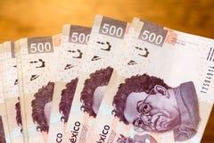 Fotografie mit fünfhundert Rechnungen der mexikanischen Pesos Stockfoto