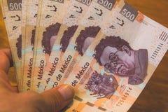 Fotografie mit fünfhundert Rechnungen der mexikanischen Pesos Stockbild