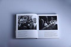 Fotografieboek door Nick Yapp, Ho Chi Minh en Jawaharlal stock afbeeldingen