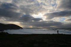 Fotografieren des Sturms und des Sonnenuntergangs lizenzfreie stockbilder