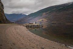 Fotografieren von Landschaft von norwegischen Fjorden Stockfotografie