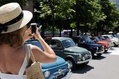 Fotografieren von Retro- Autos Stockfotografie