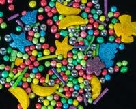 Fotografii kolorowy neonowy kropi cukierki dla tła use, odgórny widok, zbliżenie Obraz Royalty Free