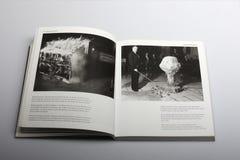 Fotografii książka Nick Yapp, bada skutki atomowa bomba Obrazy Royalty Free