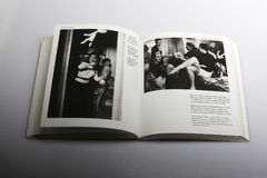 Fotografii książka Nick Yapp, Bluebell ansambl po próby obraz stock