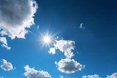Fotografii słońca chmury i niebo Zdjęcia Stock