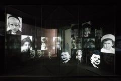 fotografii wystawa fotografie drugi wojna światowa dedykująca ofiary holokaust podczas Nazistowskiego okresu wewnątrz fotografia stock
