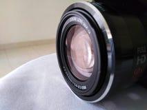 Fotografiutrustning - sikt för lins för Digital kamera arkivbilder