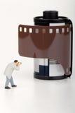 Fotografminiatur und Rolle des fotografischen Films Stockfoto