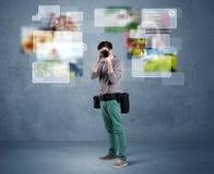 Fotografo bello con la macchina fotografica Fotografia Stock Libera da Diritti