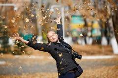 Fotografo calvo felice dell'uomo del ritratto Fotografia Stock