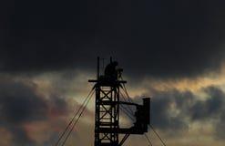 Nuvole nere sopra suo testa Fotografia Stock Libera da Diritti