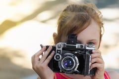 Fotografo del bambino della bambina fotografia stock