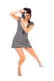 Fotografo della ragazza di bellezza in maglia del marinaio con la macchina fotografica della foto Fotografia Stock