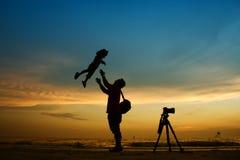 Fotografo Silhouette Fotografie Stock Libere da Diritti