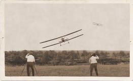 Fotografowie, stary samolotów ścigać się Vinner lądowanie Obrazy Royalty Free