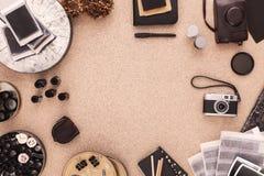 Fotografs skrivbord Lägenheten lägger med kopieringsskrivbordet Arkivbild