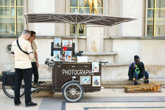 Fotografställning på Trocadero Paris Arkivbilder