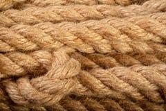 Fotographia a macroistruzione La corda è torta lunghezza di forte cavo Immagini Stock Libere da Diritti