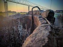 Fotographie einer Straßenbausites, neue Abwasserrohre werden gelegt Lizenzfreies Stockfoto