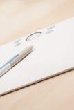 Fotographienpfostenproduktion mit grafischer Tablette Stockfoto