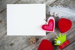 Fotohållare med det tomma kortet Fotografering för Bildbyråer