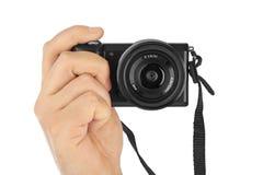 Fotokamera in der Hand stockfotos