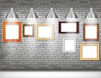 Fotoramar på den gråa väggen Royaltyfri Fotografi