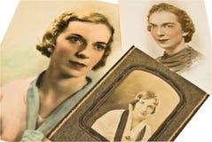 Fotos antigas de uma mulher foto de stock