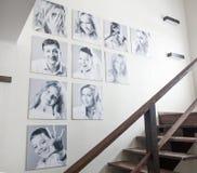 Fotos de familia en la pared fotografía de archivo libre de regalías