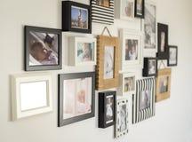 Fotos de la familia en diversos marcos de la foto Fotografía de archivo libre de regalías