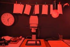 Fotos de la impresión del cuarto oscuro Foto de archivo libre de regalías