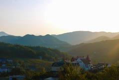 Fotos de montanhas caucasianos no alvorecer Foto de Stock Royalty Free