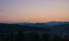 Fotos de montanhas caucasianos no alvorecer Fotografia de Stock Royalty Free