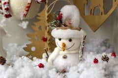 Fotos del concepto de la Navidad, nieve con el fondo del invierno fotografía de archivo