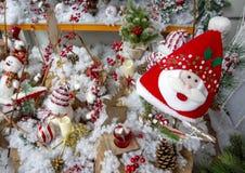 Fotos del concepto de la Navidad, nieve con el fondo del invierno fotografía de archivo libre de regalías