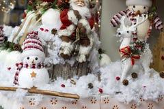 Fotos do conceito do Natal, neve com fundo do inverno fotos de stock