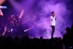Sakis Rouvas que canta na fase em Atenas, Greece Imagens de Stock Royalty Free