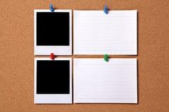 Fotos en blanco con las tarjetas de nota Fotografía de archivo libre de regalías