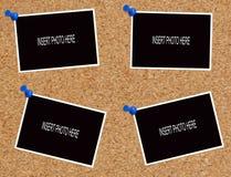Fotos en blanco en tarjeta del corcho Fotografía de archivo