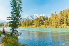 Fotos en el río Banff del arco Fotografía de archivo