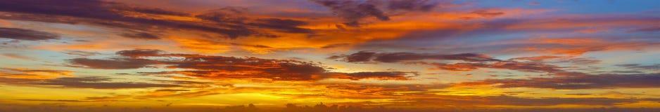 Fotos panorâmicos do céu no por do sol - Tailândia Fotos de Stock Royalty Free