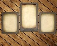 Fotos velhas na placa de madeira Imagens de Stock