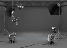 Fotostudioraum, helle Ausrüstung Lizenzfreie Stockfotografie