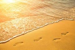 Fotsteg på stranden royaltyfri bild
