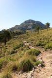 Fotvandra banan till berget Puig de Galatzo i Majorca Royaltyfri Fotografi