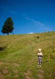 Fotvandra för pojke Royaltyfria Bilder