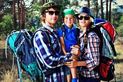 Fotvandra familj Fotografering för Bildbyråer