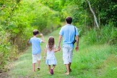 Fotvandra för familj Arkivbilder